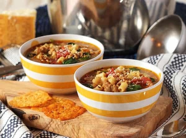 суп с горохом и колбасой