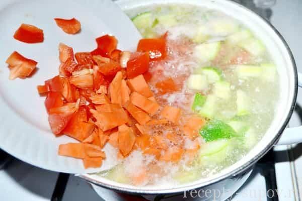 Суп-пюре из кабачков с картофелем и курицей